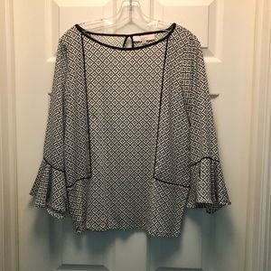 3/$25 Loft Patterned Blouse with Flutter Sleeve